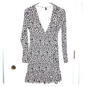 🖤🤎🤍H&M divided wrap dress Animal print 🤍🤎🖤